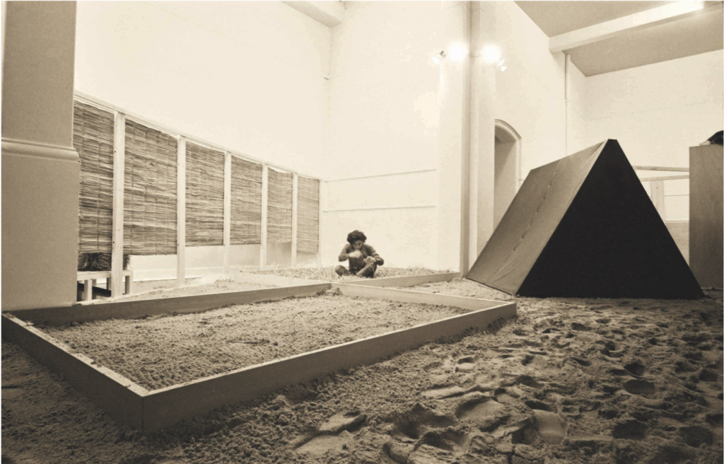 Hélio Oiticica, Eden, 1969. Installation view, Whitechapel Art Gallery, London, 1969. © Projeto Hélio Oiticica, Rio de Janeiro. Courtesy of the artist.